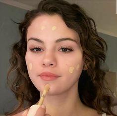 Alex Russo, Selena Gomez Photos, Marie Gomez, Makeup Techniques, Chris Evans, Funny Faces, Human Body, Hollywood, Singer