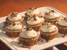 5-Star Pumpkin Cupcakes  #Thanksgiving #ThanksgivingFeast #Dessert