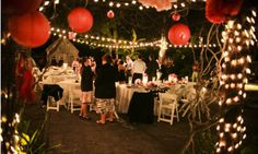Llambias House Gardens can accommodate up to 200 guests, so smaller or slightly larger weddings and receptions fit well.  St.Augustine, Florida