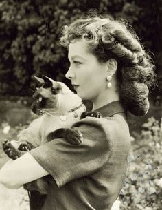 Вивьен с котиком.jpg