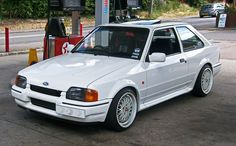 Ford Escort Ford Rs, Car Ford, Vintage Cars, Antique Cars, Ford Classic Cars, Classic Motors, Ford Escort, Sweet Cars, Ford Motor Company