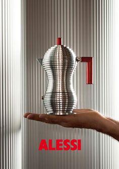 Alessi Catalogue - 75,00 € Cafetière italienne Pulcina / 6 tasses Marque : Alessi