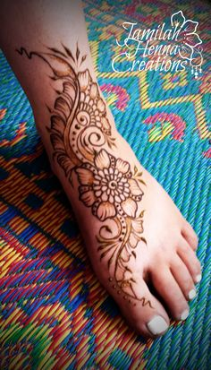 www.jamilahhennacreations.com farmers market foot henna