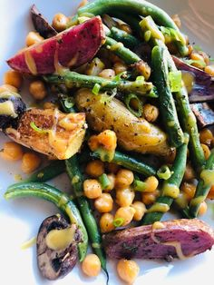 Potato Recipes, Veggie Recipes, Cooking Recipes, Veggie Meals, Drink Recipes, Fall Recipes, Roasted Fingerling Potatoes, Vegetarian Recipes Dinner, Delicious Recipes