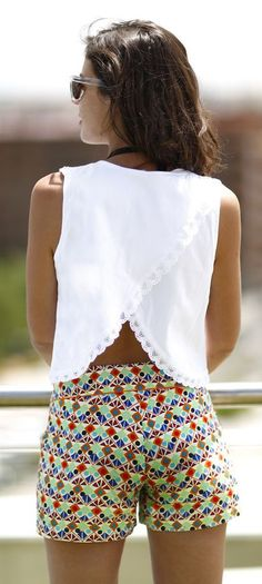 White Crossing Back Top by 1sillaparamibolso