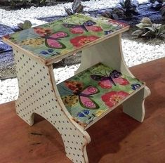 Bench Swing, Chair Bench, Stools, Decoupage, Craft Ideas, Hand Painted, Wood, House, Furniture