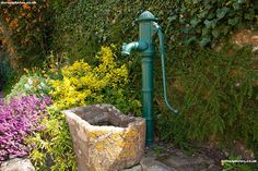 old water pumps -I am going to do this with my old pump. A water feature.