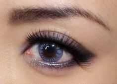 how to make up eyeshadow, Holiday eye makeup tricks , holiday eye makeup tipS, holiday makeup look ,make up for holiday-04