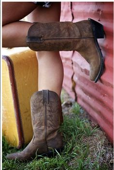 Love a girl in cowboy boots