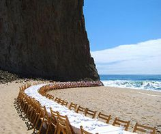 Unexpected Reception Seating Ideas the setting is the centerpiece.who needs morethe setting is the centerpiece. Wedding Events, Wedding Decor, Wedding Locations, Wedding Fotos, Dear World, Wedding Reception Seating, Reception Table, Wedding Receptions, Reception Ideas