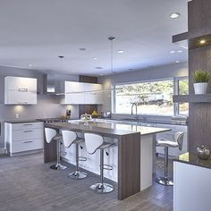 A Big Kitchen interior design will not be hard with our clever tips and design ideas. More Most Popular Kitchen Design Ideas on 2018 & How to Remodeling Best Kitchen Designs, Modern Kitchen Design, Modern House Design, Interior Design Kitchen, Big Kitchen, Kitchen Dining, Kitchen Decor, Kitchen Ideas, Awesome Kitchen
