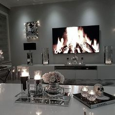 43 Modern glam living room decoration - einrichtung - Home Sweet Home Glam Living Room, Living Room Interior, Home And Living, Living Room Furniture, Furniture Plans, Glam Room, System Furniture, Small Living, Kids Furniture
