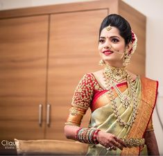 South Indian Bridal Blouse Designs Embroidery India Ideas For 2019 Wedding Saree Blouse Designs, Pattu Saree Blouse Designs, Blouse Designs Silk, Saree Wedding, Salwar Designs, Wedding Blouses, Telugu Wedding, Bridal Sarees, Indian Bridal Fashion