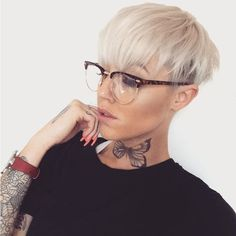 "4,537 Likes, 98 Comments - Danielle wilson (@d_w_i_l_l_o_w) on Instagram: ""Back to being a blondie for now #pixie #blonde #sassy #slay #shorthair #shavedhead #shorthairstyle…"""