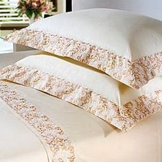 Sewing Room Diy Duvet Covers Ideas For 2019 Diy Pillows, Floor Pillows, Home Tex, Sewing To Sell, Teen Bedding, Shabby Chic Crafts, Quilted Table Runners, Sewing Rooms, Bed Covers