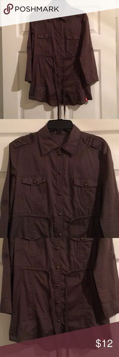 EDC by esprit, Women's Top, Size L Lightly used, in great condition, runs small edc Tops Button Down Shirts