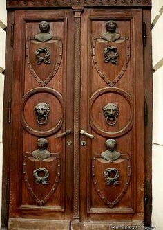 Poznan Poland, drzwi do Biblioteki Raczyńskich, plac Wolności