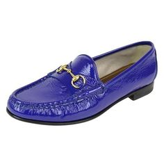 Pre-Owned  Gucci Women's Deep Zaffiro Blue Soft Patent Leather... (40145 RSD) ❤ liked on Polyvore featuring shoes, loafers, blue, patent loafers, patent leather shoes, horse-bit loafer, blue loafers and gucci footwear