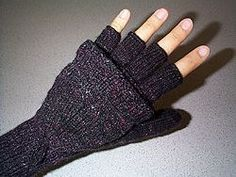 knit convertible mittens- might whip up a pair of these for this winter. :)