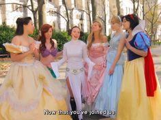 This is hilarious! The Disney Princesses teach Princess Leia their ways. Click to watch.