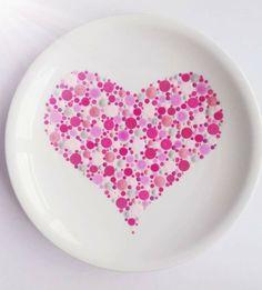 Dot Art Painting, Pebble Painting, Ceramic Painting, Pottery Painting Designs, Pottery Designs, Pottery Ideas, Painted Rocks, Hand Painted, Birthday Plate