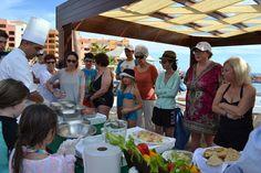 In this way our guests enjoyed and learned to cook in our #CookingClasses  www.sandos.com  De esta forma nuestros huéspedes disfrutaron y aprendieron a cocinar en nuestras #ClasesDeCocina