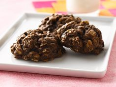 DOUBLE-CHOCOLATE OATMEAL COOKIES http://www.bettycrocker.com/recipes/double-chocolate-oatmeal-cookies/55e1058e-3093-4c5d-8eed-5c01e959140d #Cookies