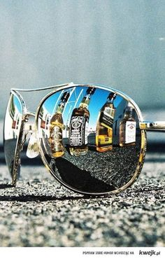 ,gafas & Jack Daniels. I like this <3