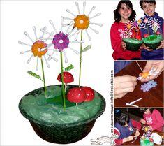 bloemen van wattenstaafjes en klei