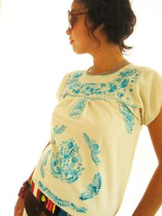 Love the traditional Oaxacan design on this top.