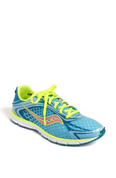 saucony minimalist shoe.. want them in neon yellow!!!