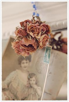 love dried roses and vintage French cards. Rose Cottage, Shabby Cottage, Shabby Chic, Vintage Cards, Vintage Items, Drying Roses, Forever Rose, Little Rose, Vintage Romance