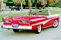 1958 Ford Fairlane Convertible Image 13 of Photo Courtesy: Roy D. Query The rear end design on the 1958 Fairlane is far more engaging to the eye than the front end, thanks in part to the small fins and the twin-paneled protruding taillamps Ford Fairlane, Car Ford, Ford Trucks, Chevrolet Trucks, 4x4 Trucks, Diesel Trucks, Lifted Trucks, Chevrolet Corvette, Ford Motor Company