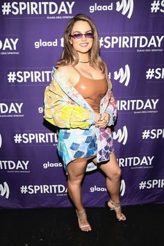 JoJo Levesque attends Justin Tranter and GLAAD Present 'BEYOND' Spirit Day Concert at The Sayers Club on October 2018 in Hollywood, California. Beautiful Female Celebrities, Beautiful Actresses, Gorgeous Women, Jojo Singer, Jojo Levesque, Girls In Mini Skirts, Celebrity Feet, Celebrity Style, Female Singers