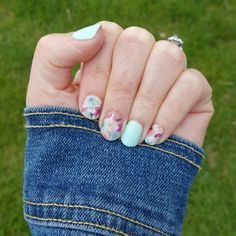 The perfect spring manicure! Jamberry Combos, Jamberry Nail Wraps, Great Nails, Cute Nails, Crazy Nails, Cute Nail Designs, Makeup For Brown Eyes, Beautiful Nail Art, Color Street