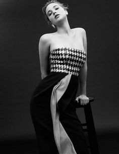 Jennifer Lawrence rocking the houndstooth.