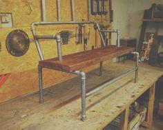 * Crep Bank  Después de haber armado la barra y contrabarra del local de The Crepe Factory, mesas y haber reciclado el interior del local, me encargaron hacer un banco para la vereda. Se me ocurrio armar uno con cañerías reccicladas, las cuales corte y solde para armar la estructura. El aciento del banco lo hice con una tabla de madera maciza reciclada.  De esta forma queda una estructura mas transparente y liviana, y la madera reslta y contrasta frente a eso.