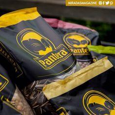 Empresas>> UN COMPROMISO MUY SALUDABLE  La empresa venezolana Granos Pantera promueve el avance de la pequeña industria agropecuaria en el país así como también fomenta el consumo de alimentos altos en nutrientes a través de su línea de productos.  Los alimentos que ofrece la firma son: caraotas contienen grandes cantidades de minerales como magnesio fósforo y zinc que ayudan a regular la presión arterial; arvejas ricas en proteínas y carbohidratos bajas en grasa constituyen una buena fuente…
