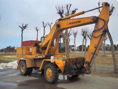Mining Equipment, Heavy Equipment, 4x4 Trucks, Ford Trucks, Mitsubishi Motors, Hydraulic Excavator, Urban Exploration, Urban Decay, Cars And Motorcycles