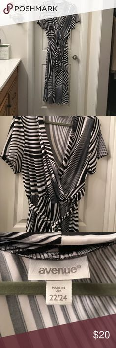Avenue 22/24 striped dress. The pattern of the stripes on this dress are very flattering. One of my favorites and only worn a few times. Cleaning out my closet due to losing a lot of weight! If this dress appeals to you, take it, you won't be sorry. Avenue Dresses