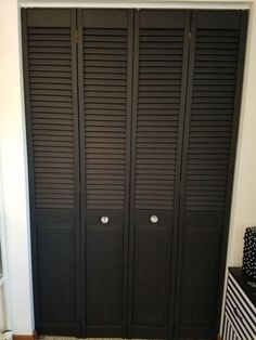 This DIY Bi-fold Closet Door Makeover really transforms my old craft closet bi- fold doors into pure Luxe! This closet door makeover is a simple change that re… Folding Closet Doors, Closet Door Makeover, Modern Closet, Front Door Colors, Up House, Room Doors, Closet Bedroom, Diy Door, Do It Yourself Home