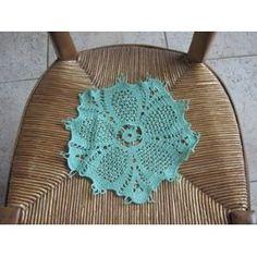 Napperon Crochet Fait Main - Vert - Diamètre 23 - 5.00 Euros