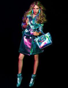 Cara Delevingne for Blumarine F/W ad campaign. Fashion Art, Editorial Fashion, Fashion Models, High Fashion, Milan Fashion, Cara Delevingne, Salvatore Ferragamo, Look Disco, Holographic Fashion
