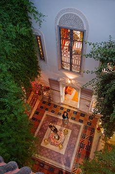 Courtyard and screen in the Moroccan Riad in Marrakech, Dar Eliane Moroccan Design, Moroccan Decor, Moroccan Style, Moroccan Bedroom, Moroccan Lanterns, Islamic Architecture, Interior Architecture, Exterior Design, Interior And Exterior