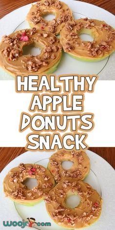 Healthy Apple Donuts Snack - Perfect Snacks For Kids Kids Cooking Activities, Preschool Cooking, Kids Meals, Apple Activities, Toddler Meals, Snacks For Work, Quick Snacks, Healthy Snacks For Kids, Healthy Apple Snacks