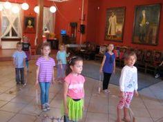 Taniec Motyli - Przedszkolaki tańczą Hallelujah - YouTube Musical, Kids Playing, Youtube, School, Children, Ms, Pranks, Primary Music, Dancing