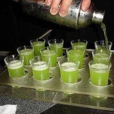 Kamikaze shots: 1 oz Smirnoff Red Label Vodka oz triple sec oz lime juice or sour mix Fun Drinks Alcohol, Best Alcohol, Alcoholic Drinks, Best Mixed Drinks, Types Of Cocktails, Jello Shot Recipes, Dessert Shots, Homemade Wine, Drinking Buddies