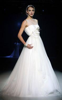 Jesus Peiro wedding gown