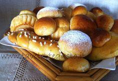 Pasta Brioches - Brioches dolci http://www.tavolartegusto.it/2012/03/02/pasta-brioche-ricetta-brioches-dolci-trecce-brioches/