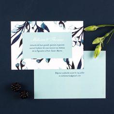 Vintage et fleuri : un carton d'invitation de mariage romantique ! Modèle Bleu de minuit par l'Atelier Rosemood #wedding #invitation #vintage #mariage